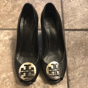 Tory Burch wedge- black with silver - 8.5